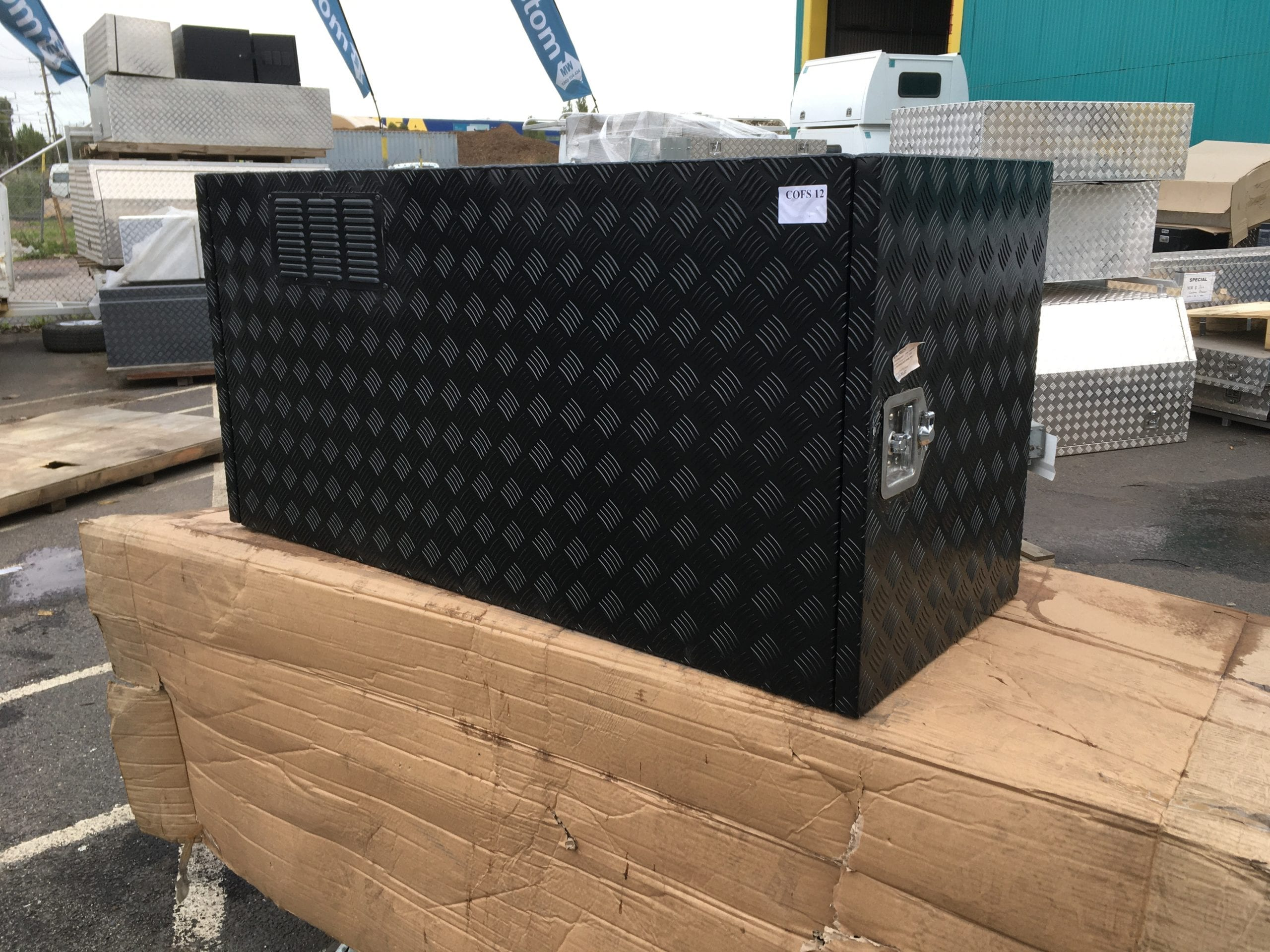(COFS 12) MW Caravan Box Black With Two Slides-1