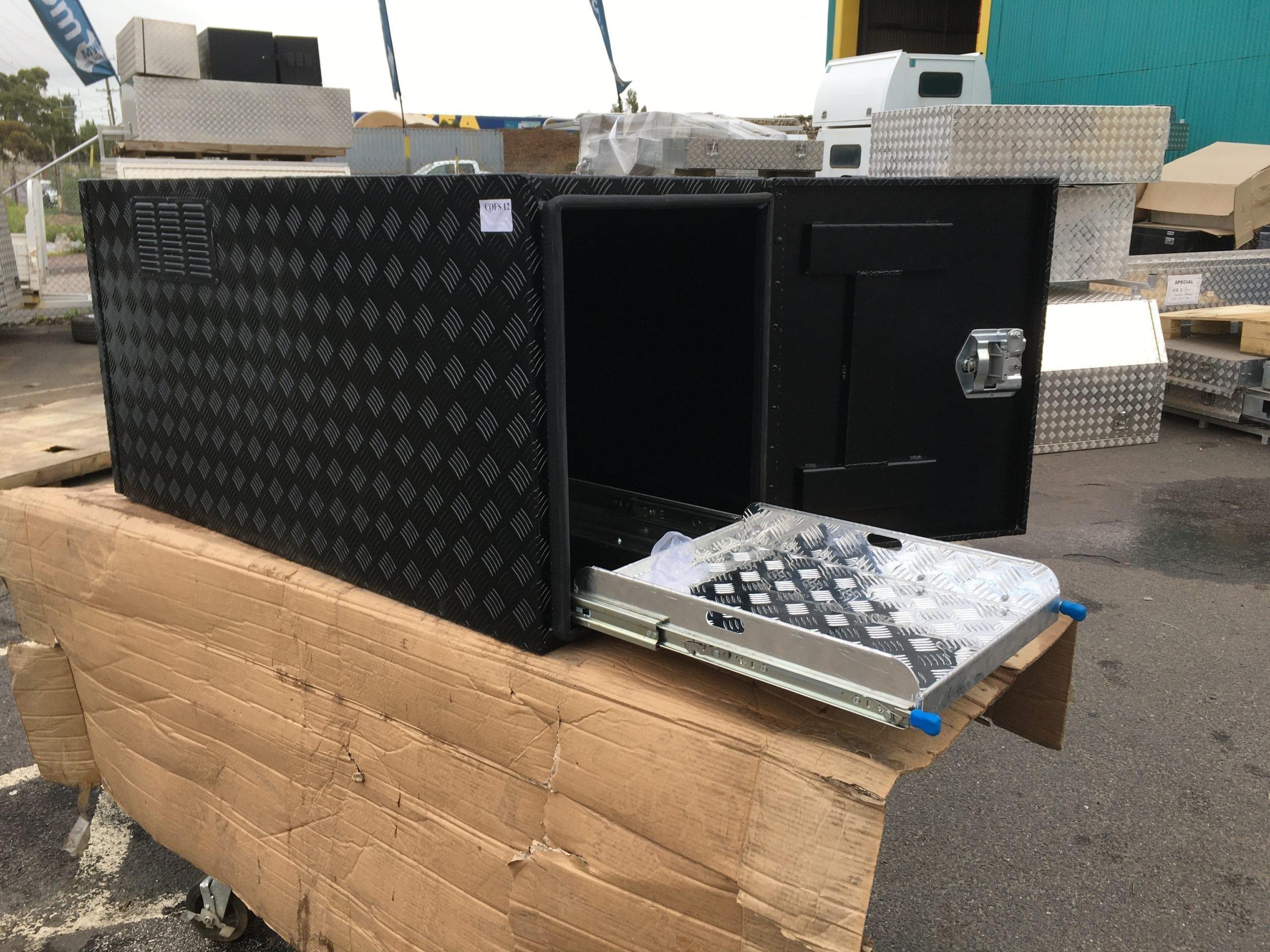 (COFS 12) MW Caravan Box Black With Two Slides-2