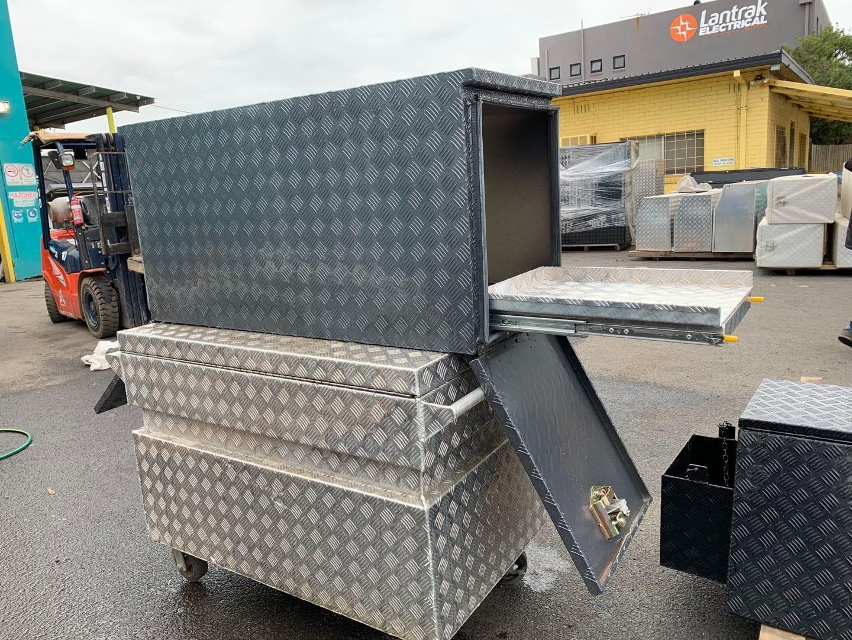 (COFS 56) MW Caravan Box with slide (Charcoal)-1
