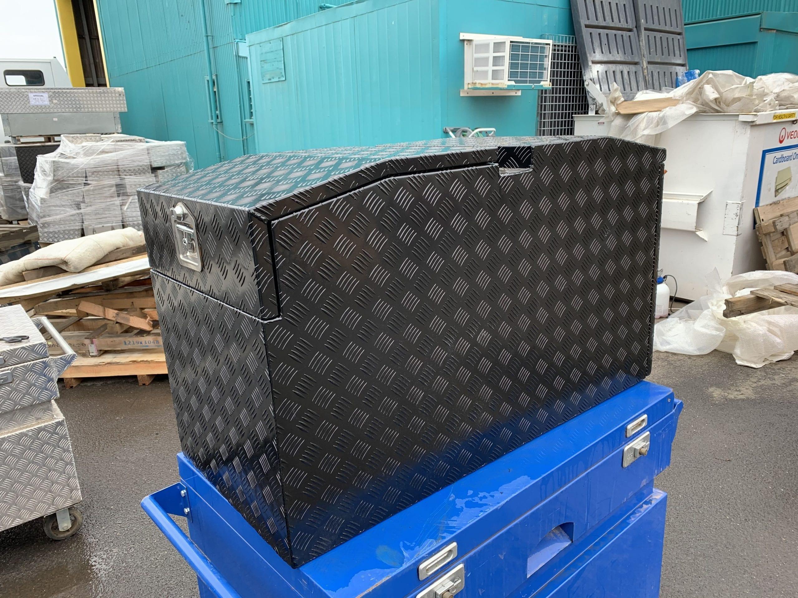 (COFS 57) MW Trailer box with slide (Black)-1